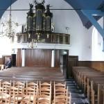 Kerkzaal met orgel
